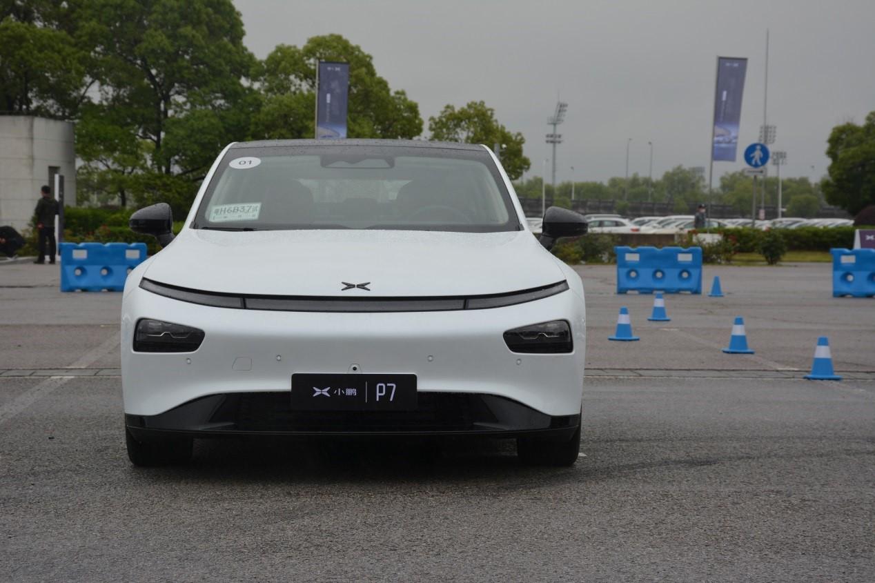小鹏P7评测:Model 3的价格,Model S的产品力?