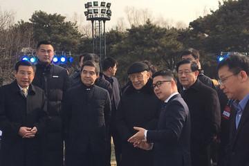前国家副总理李岚清在中国电动汽车百人会现场点赞比亚迪