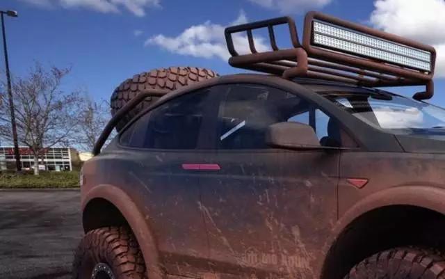 改越野,当拖拉机,Model X还能变身沙漠枭雄图片