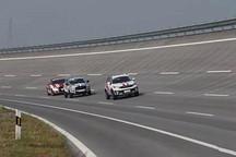 想不想知道你开的新能源车在赛道上是什么表现?