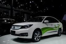 与其十一长假扎堆买新能源车,不如等等这三款再选择