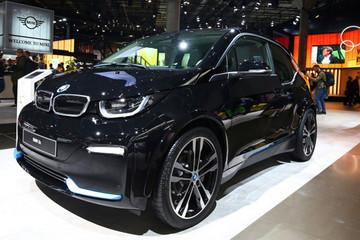 EV晨报 | 大众江淮将成立多用途车合资公司;宝马将在美召回i3电动车;三星开发出石墨烯电池技术