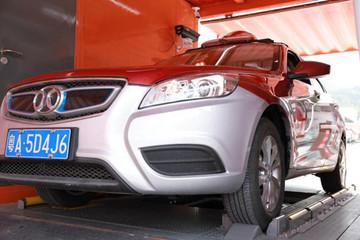EV晨报 | 广州明年公交100%电动化;深圳力争2020年巡游出租车电动化;宝马在全球寻找整车合作伙伴