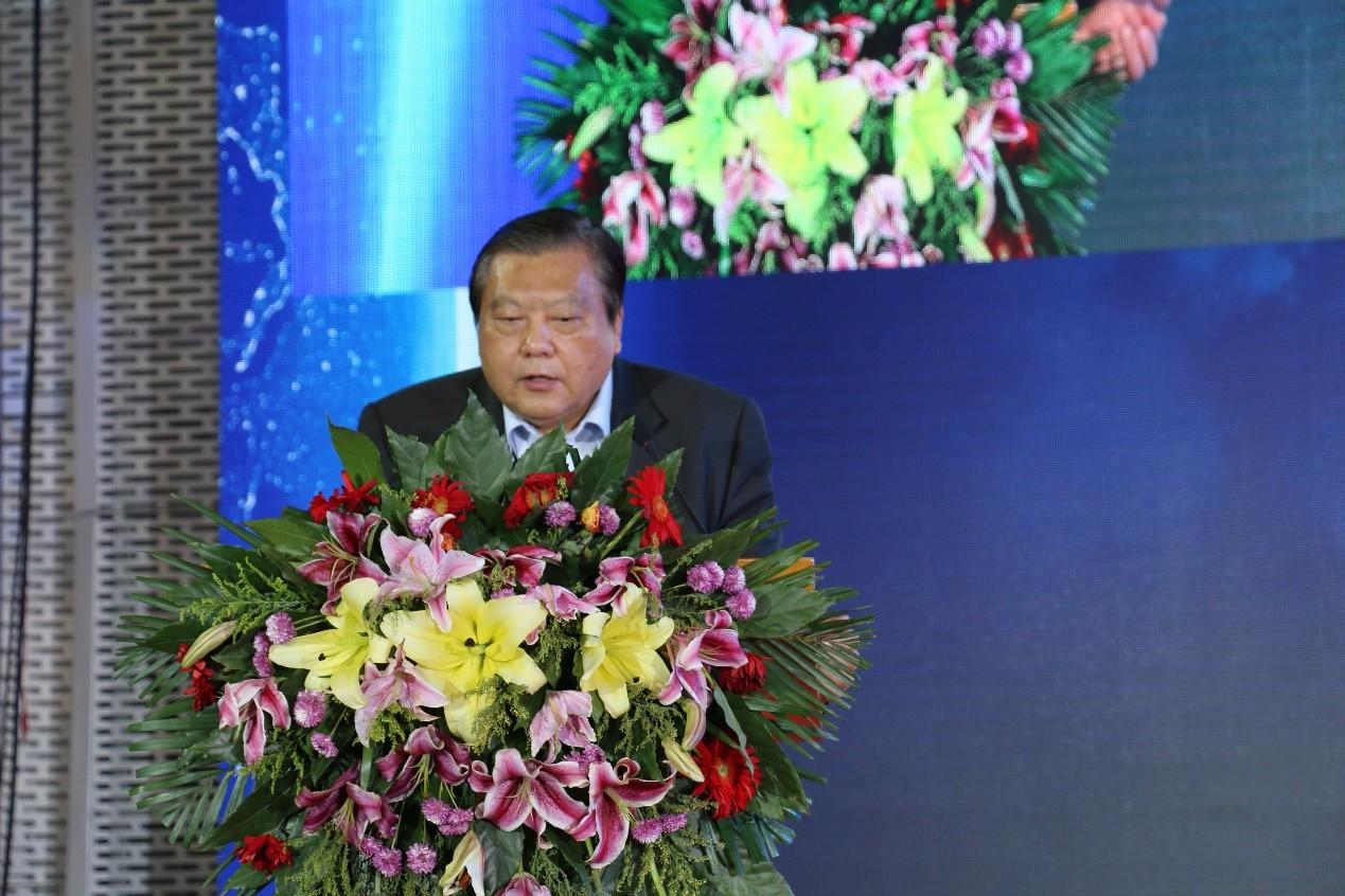 政策倒逼动力电池能量密度提升,中国工程院院士吴峰认为材料要先行一步