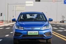 相差4个月,买续航400km的纯电动车型补贴或差3万元