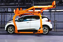 拆解最新的电动汽车,透视未来技术发展