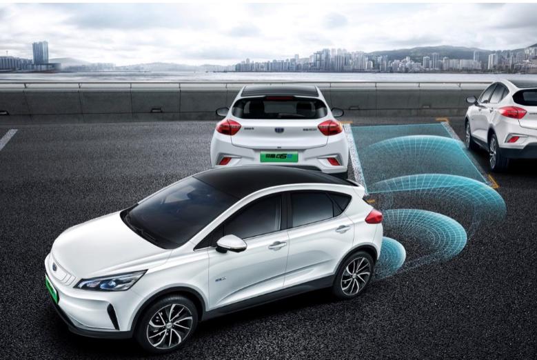 纯电动跨界SUV帝豪GSe补贴后11.98万元起售