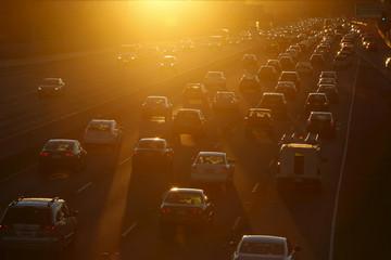 全球上半年电动车市扫描: 中国继续领跑 格局悄然演变