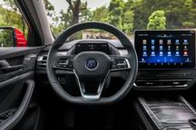 屏幕加语音操控就是智能汽车?比亚迪开发者大会重新定义智能化