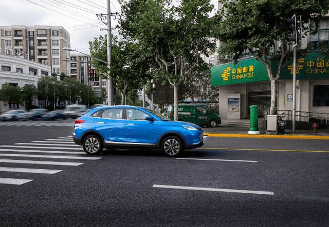 威马携手中国邮政 共同激发新能源汽车