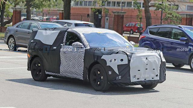 野马<a class='link' href='http://car.d1ev.com/find/9_2-100_00_1_00_00_00_A.html' target='_blank'>纯电动SUV</a>谍照曝光,或命名为Mustang E,将于2021年上市