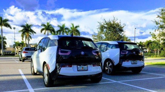 战略调整?宝马或考虑创建电动汽车专用平台