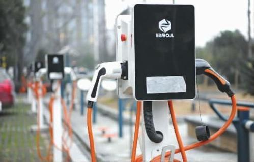 热浪|未来三年上海将新增10-20万个充电桩 将加快新能源汽车新基建