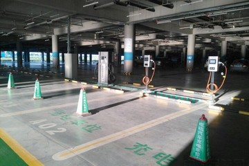 EV晨报   双积分政策近期将发布;成都新能源车按中央50%补贴;上海上半年新能源车产值68.5亿元