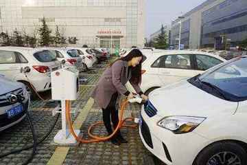 重庆2017-2020年新能源汽车可免主城区路桥费