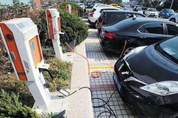 南京鼓励快递企业使用新能源汽车,享受优先停车泊位且1小时内免费