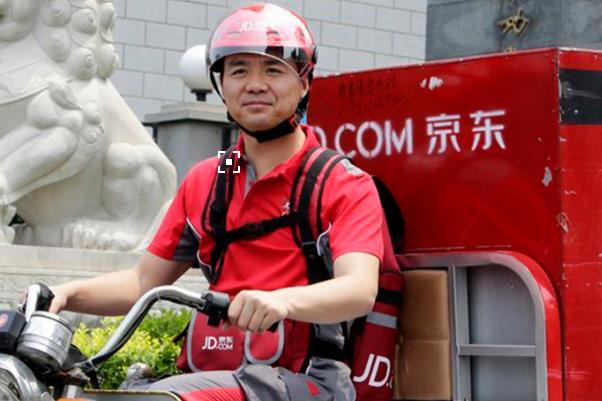 刘强东:春节前京东北京物流车100%替换为电动车
