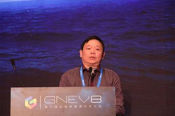 雷洪钧:新能源客车开启新智能化驾驶新时代