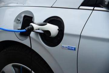 2017年英国新能源车销量增长27% 创历史新高