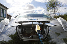 电动汽车产业面临电池危机:需求量暴增、矿产商坐地起价
