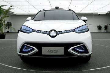 上海首发自动驾驶汽车路试号牌,上汽和蔚来率先获得