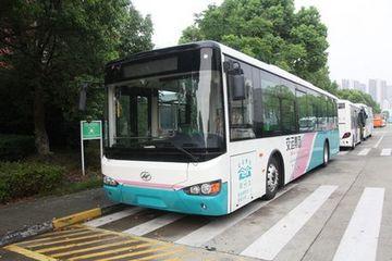青岛大规模更换纯电动公交 公交盲区千万当心