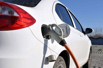 发改委:2018年取消新能源汽车外资股比限制