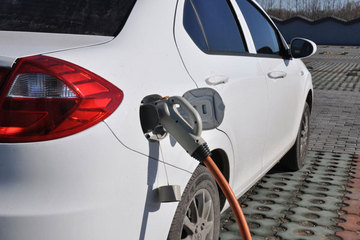 北京公示首批新能源车补贴名单,北汽/比亚迪/吉利等14家车企将分4591万元