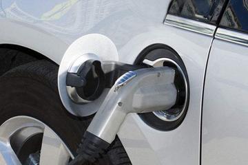 上海新能源汽车1-4月同比增长55.3%,累计推广17.4万辆