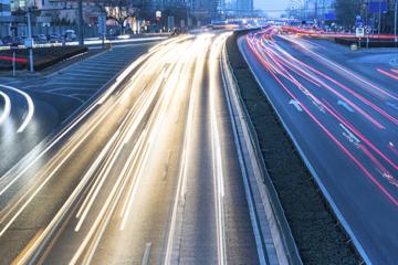 沃达丰合作AT&T 加速网联汽车解决方案部署