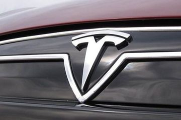 特斯拉Model 3中续航版遭抛弃 马斯克称两年内在印度建厂