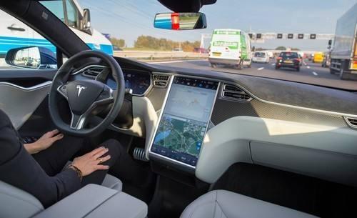 特斯拉一季度Autopilot安全报告出炉:有点纠结,也有点矛盾