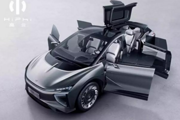 """华人运通首款""""待量产""""新车,比六扇门还特别的是它的工厂"""