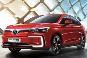 北汽领衔3款国产新能源汽车大爆发!7月销量同比涨幅超250%