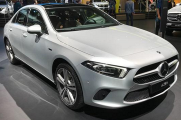 梅赛德斯奔驰A250e插电式混合动力车亮相法兰克福车展