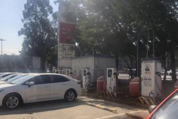 建在加油站内的充电桩:是谁坐不住了?