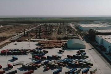 无人机视频曝光 特斯拉上海工厂正大规模建设新厂房