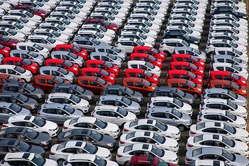 3月汽车经销商库存预警指数为59.3%,环比下降近三成