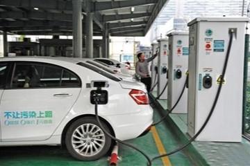 上海:今年新建3000余台充电设施