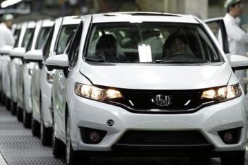 高盛预计日本车企本财年营业利润将锐减38%