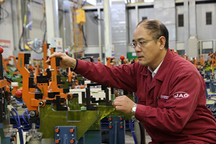 全國人大代表周福庚:引導地方支持新能源汽車產業發展