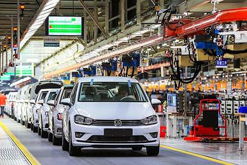 大众汽车正考虑进一步削减成本