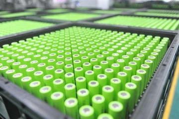 两大磷酸铁锂供应商的PK,一个坚持液相合成法,一个坚持固相合成法