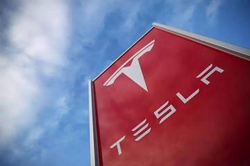 特斯拉Model S续航里程提高至409英里 刷新纪录