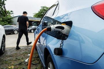 充电联盟:截至12月全国充电基础设施保有量168.1万台,同比增37.9%