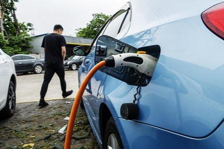 深圳至2025年新能源车保有量达100万辆