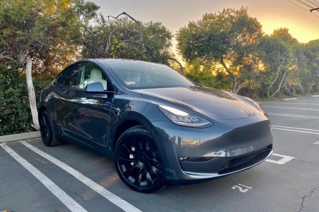 特斯拉Model Y拿下4月国内纯电动SUV交付冠军