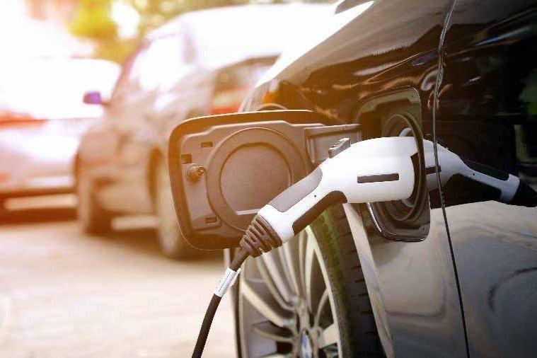 公安部:全国新能源车保有量达603万辆,占汽车总量的2.1%