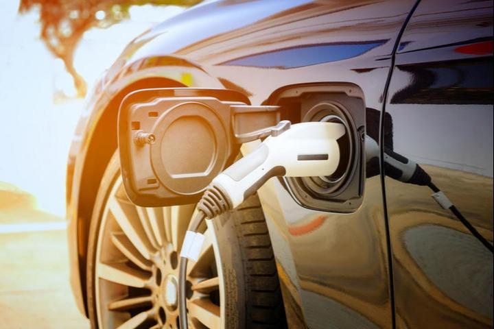 充电联盟:截至6月全国充电桩保有量194.7万台,同比增加 47.3%