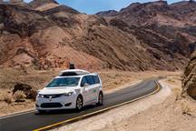 谷歌无人车在加州死谷进行耐热测试,气温高达56.6度